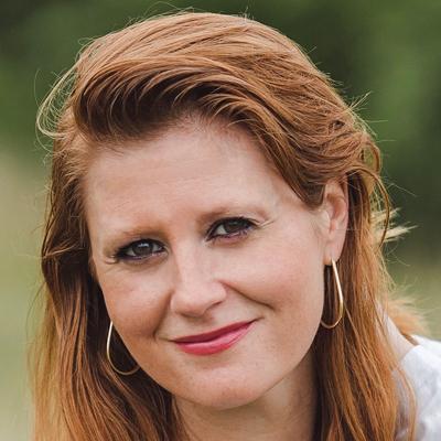 Laura R Bailey